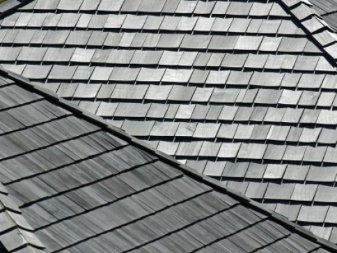 wooden shake or shingle roofing choice by rain guard roofing